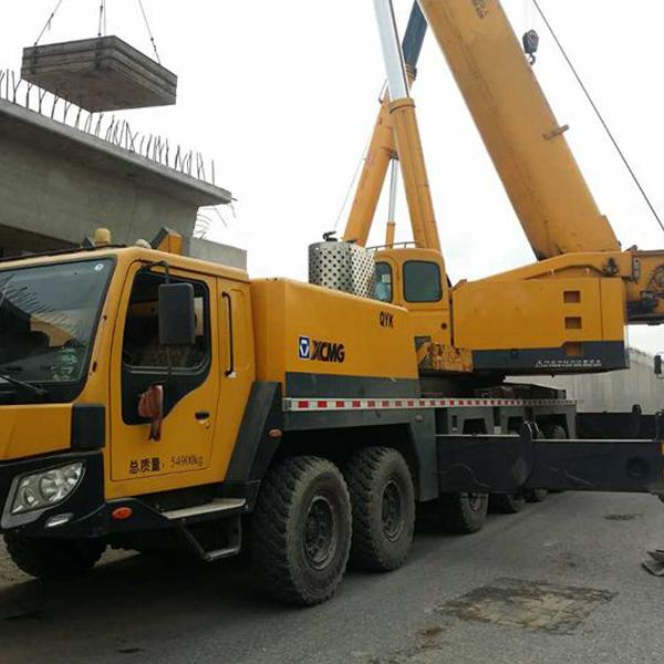 300吨吊车租赁